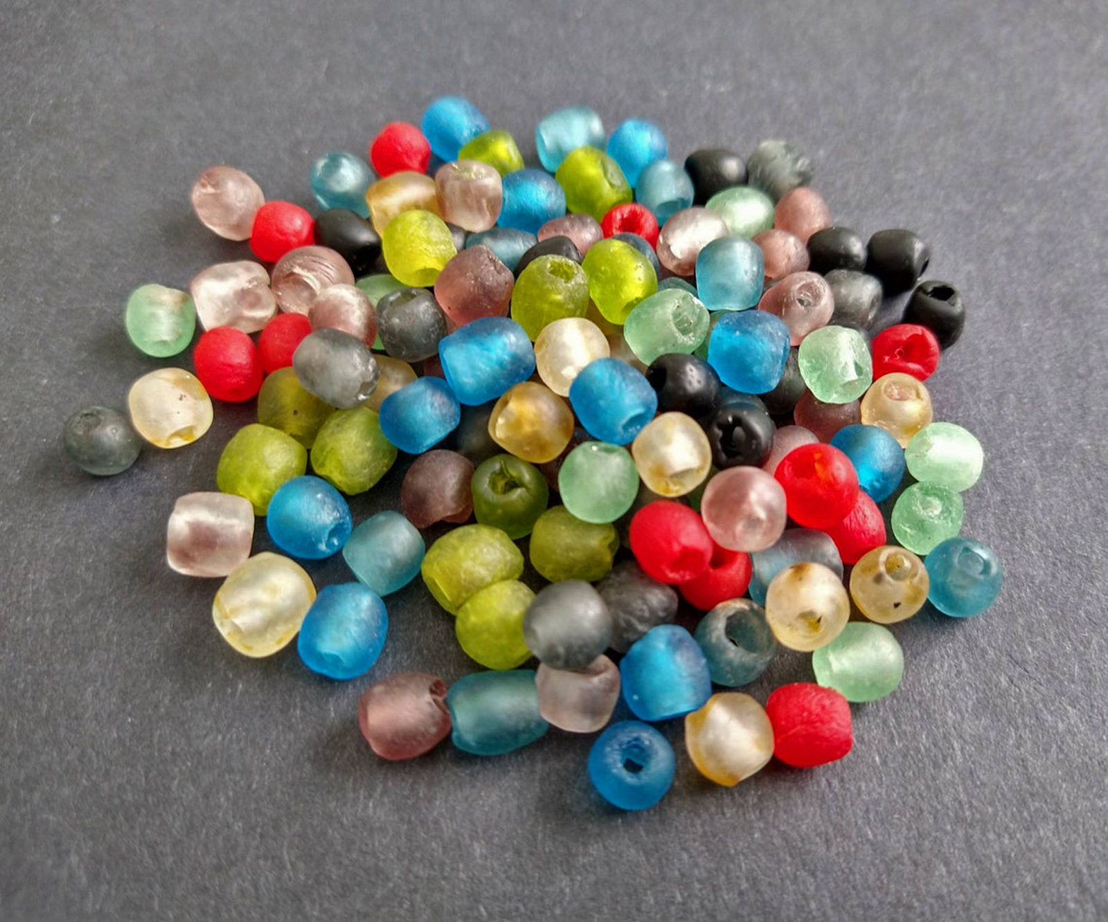African-Beads-Ghana-KroboEthnic-Glass-Round7-to-8mm-mixed-colours-60-pack