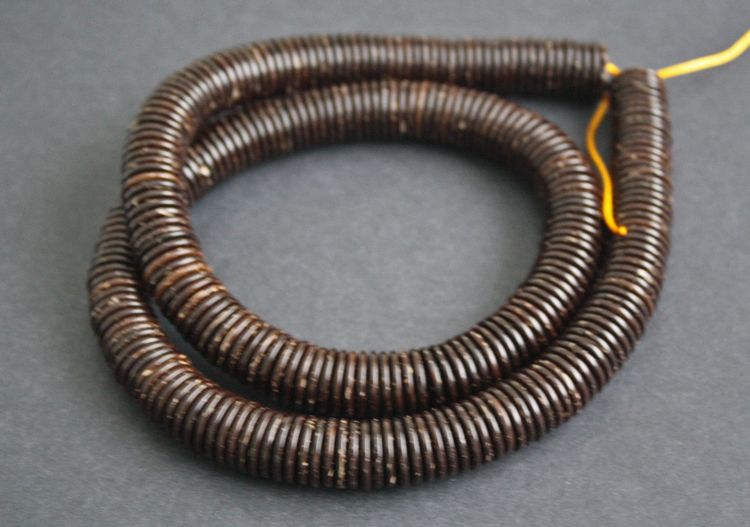 Coconut-Disc-Beads-Dark-Brown-14-to-15-mm-one-strand