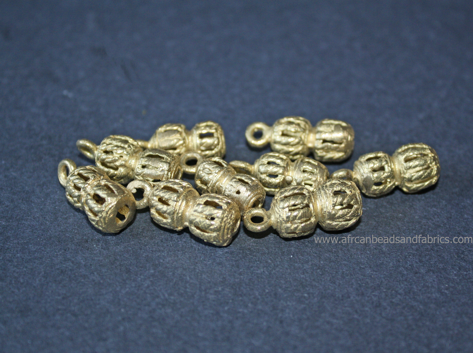 Brass-Gourd-Pendants-Woven-Design-side-view-watermarked