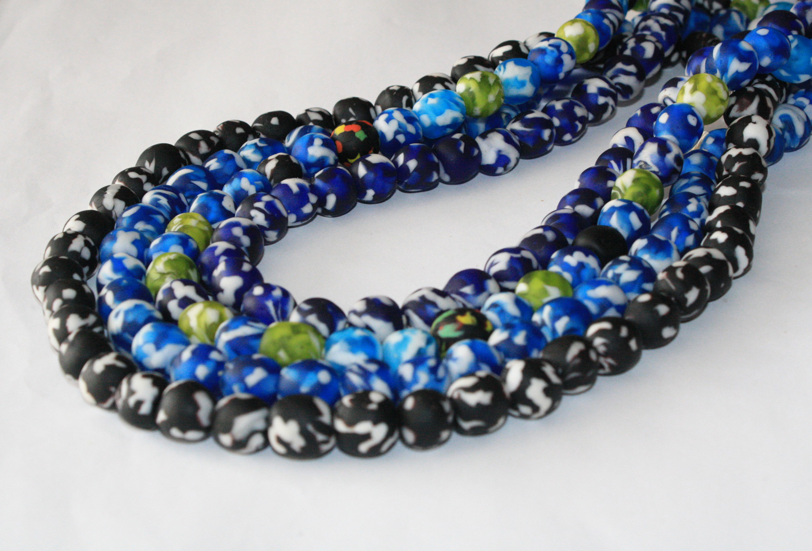 Afican-Beads-Ghana-Refashioned-Glass-Round-13-to-15mm–Blue-Black-Turquoise