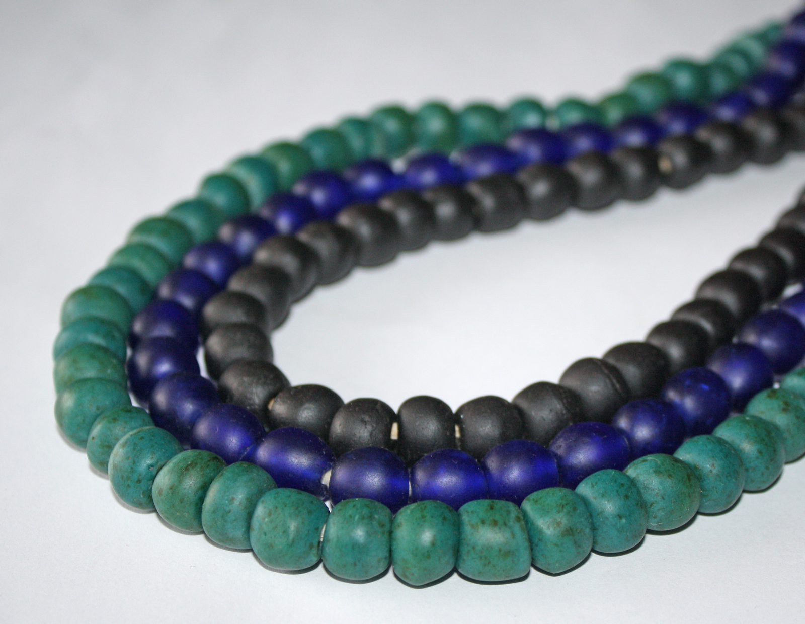 African-Beads–Ghana-Krobo-Recycled-Glass-13-to-14-mm-group