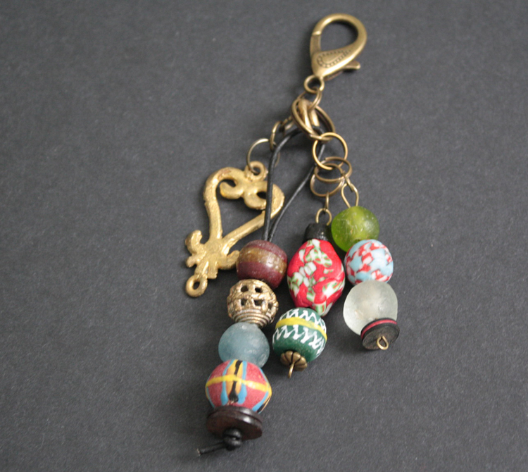 Bag-Charm-African-Beads-African-Beads-Antique-Brass-Findings-061902