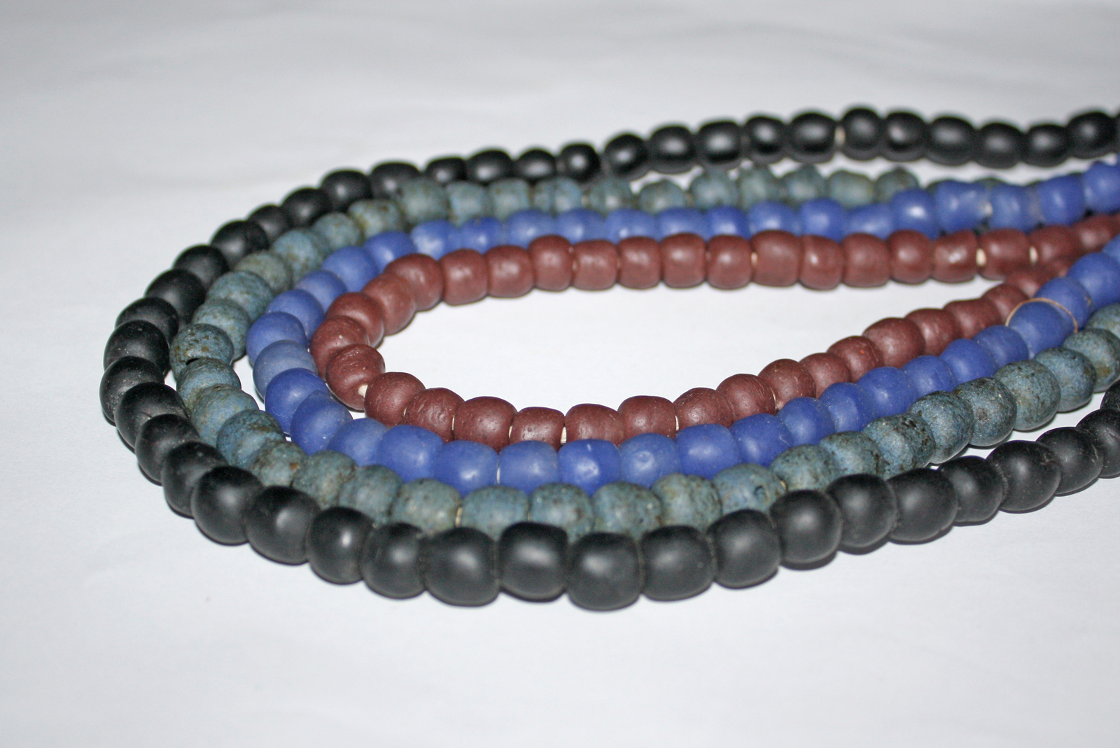 Round-African-recycled-Glass-beads-9mm-Opaque