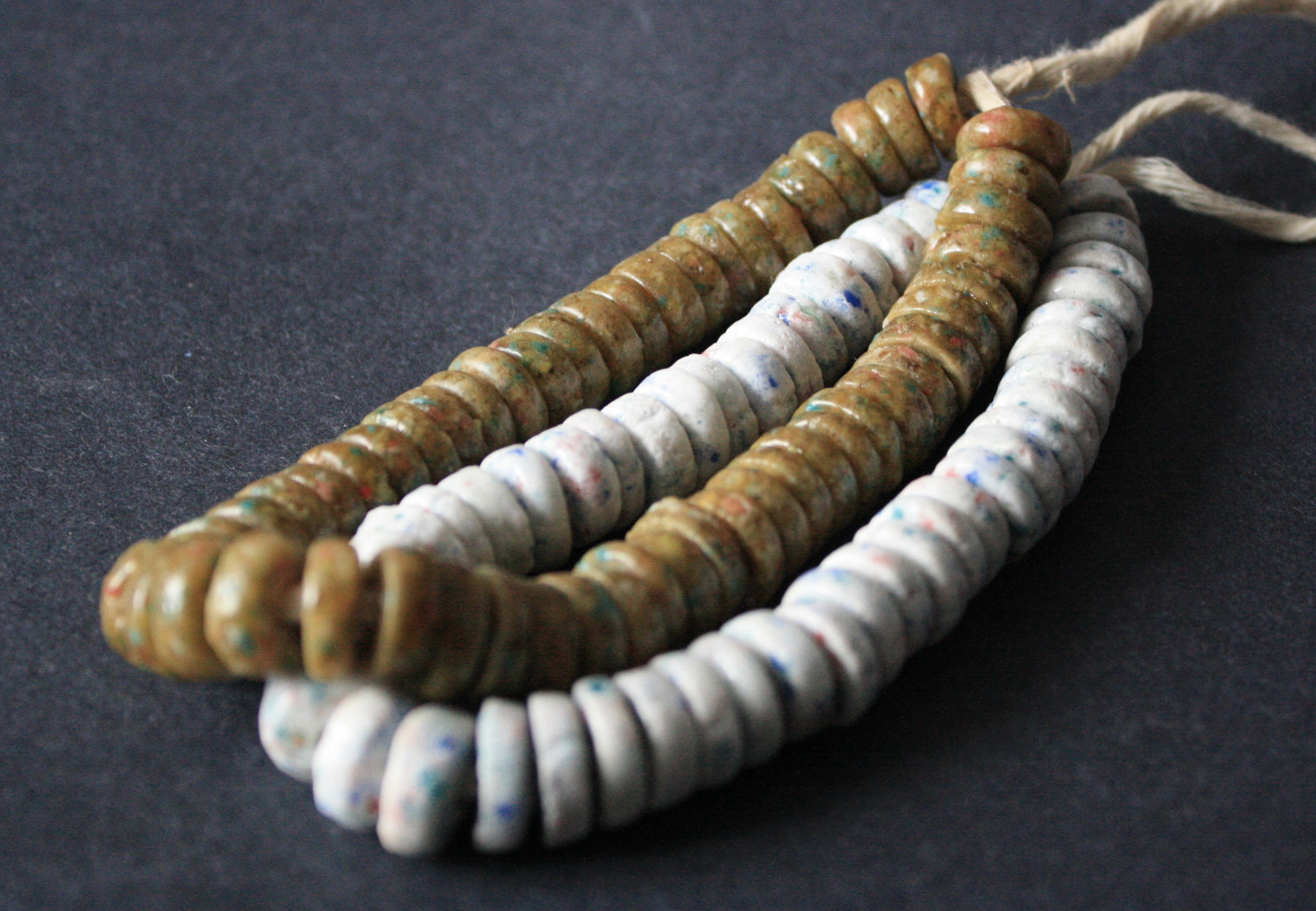 African-Disc-Beads-speckled-white-golden-brown-13-to-14mm