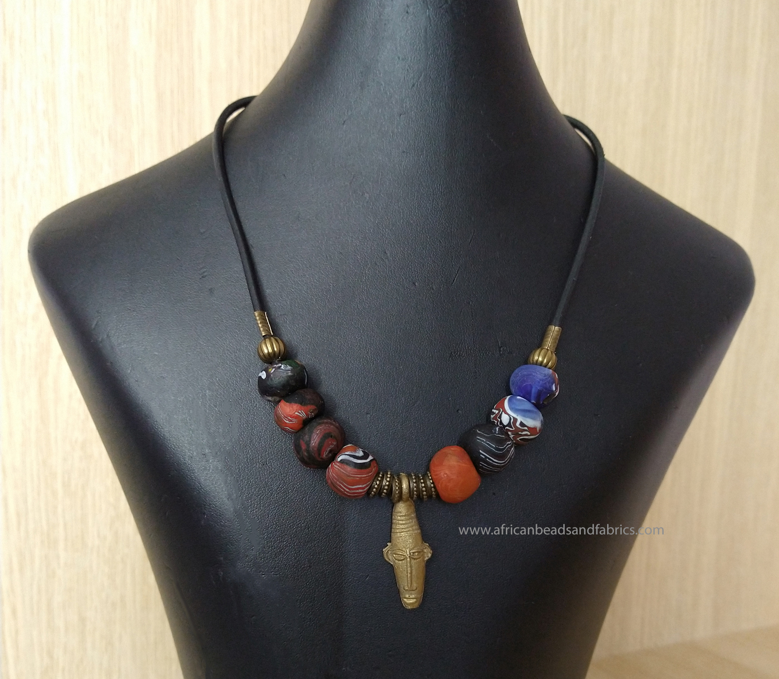 beaded-necklace-with-tribal-mask-pendant-22