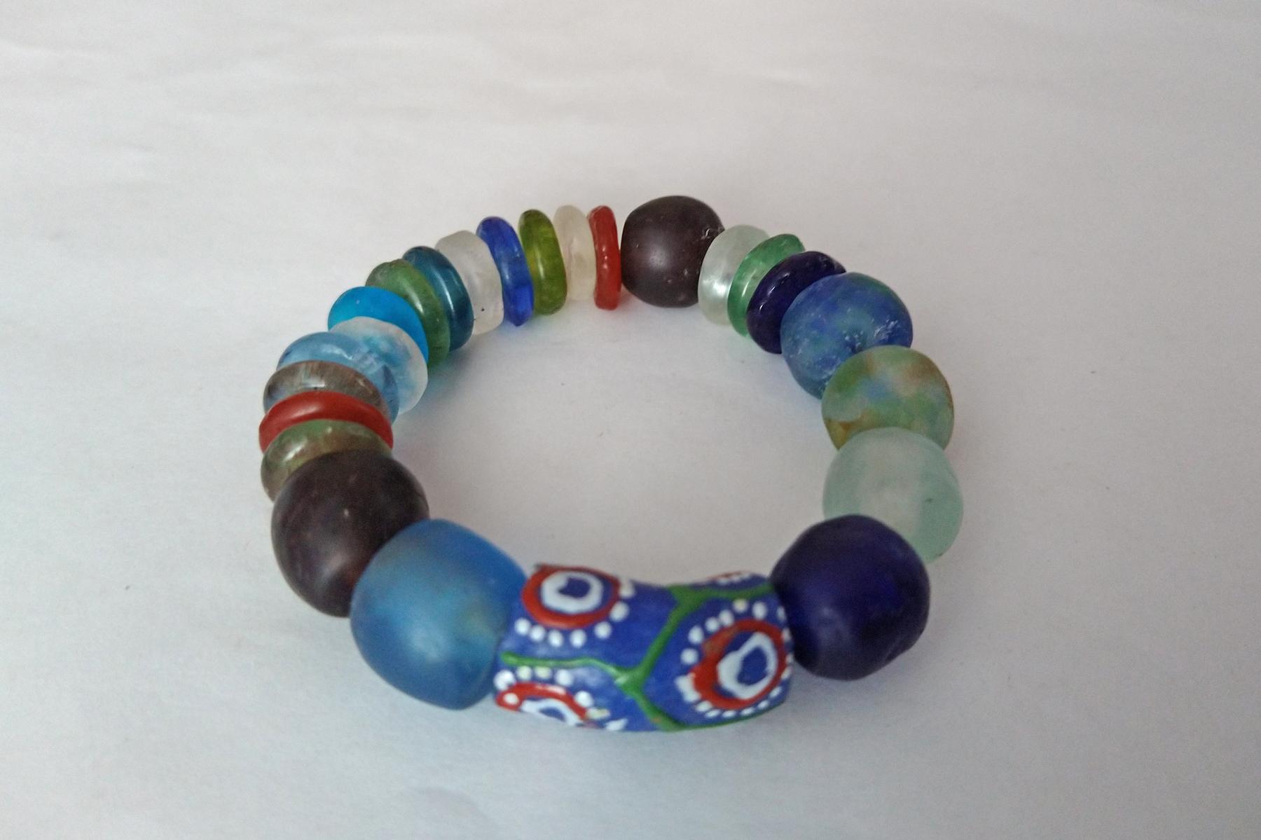 Chunky-recycled-glass-Krobo-Ghana-bracelet-with-focal-tube-bead
