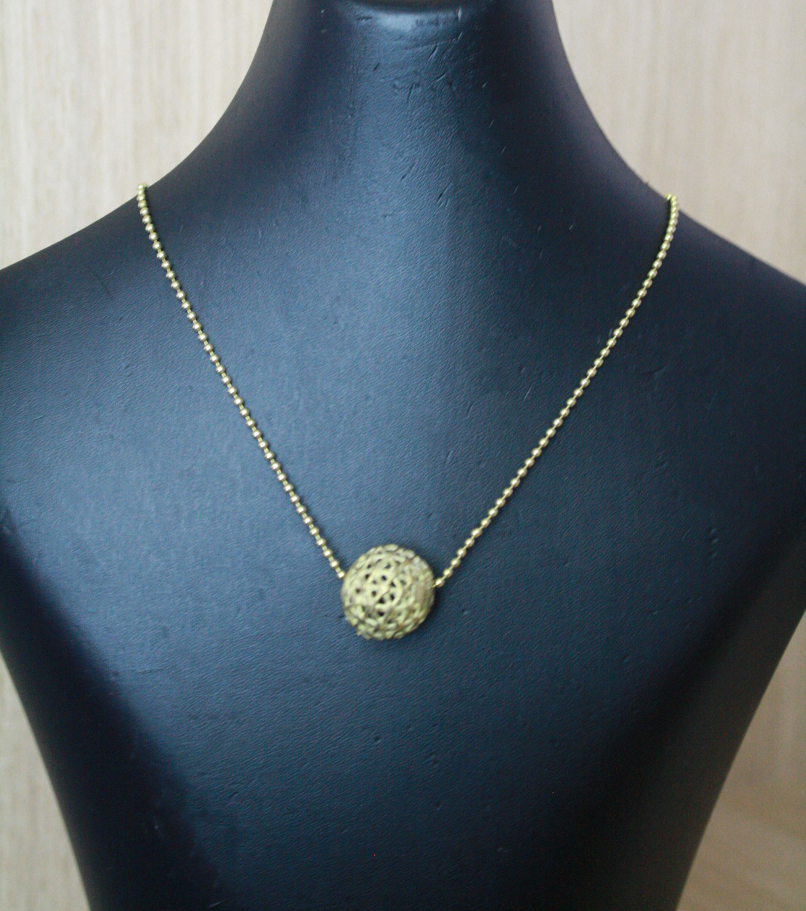 Ball-Chain-Brass-Necklace-with-Round-Bead-pendant
