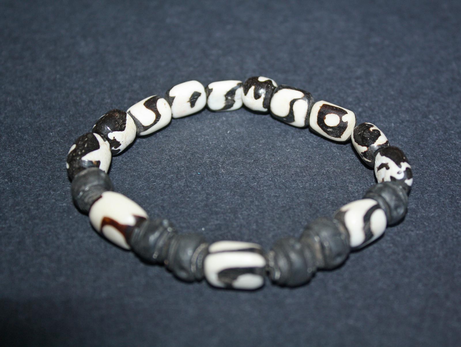 Mens-bone-and-clay-stretchy-bracelet-2